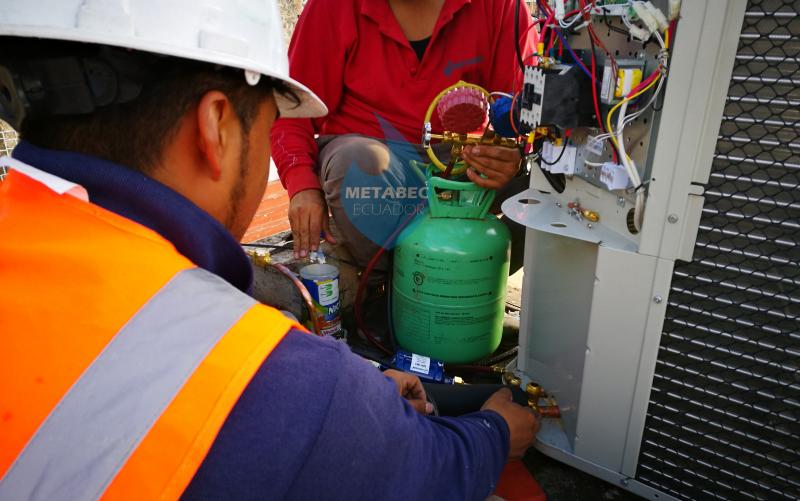 METABEC-Instalacion-Aire- acondicionado-Ecuador-2