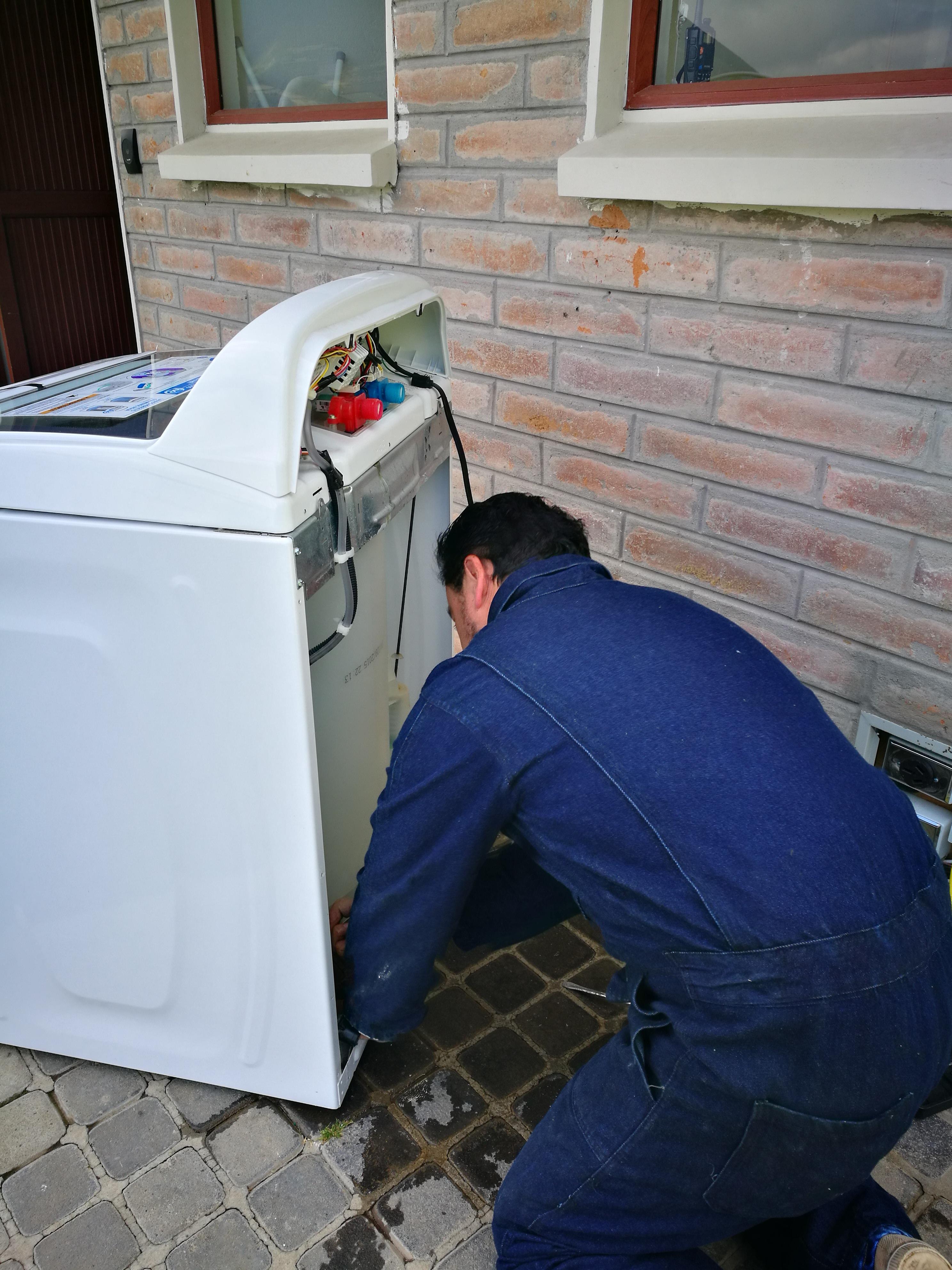 Mantenimiento reparación y servicio técnico de lavadoras